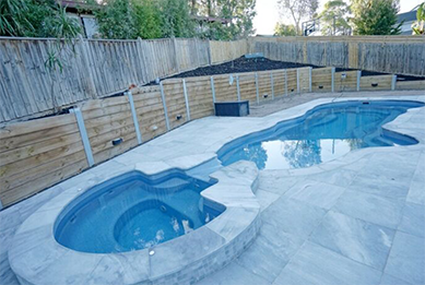 Frozen Blue, Curved Pool