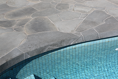 Curved Pool with Crazy Pattern